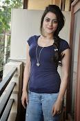 Shruti sodhi new sizzling pics-thumbnail-12