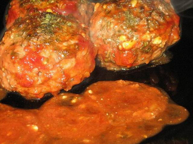Ёжики в томатном соусе