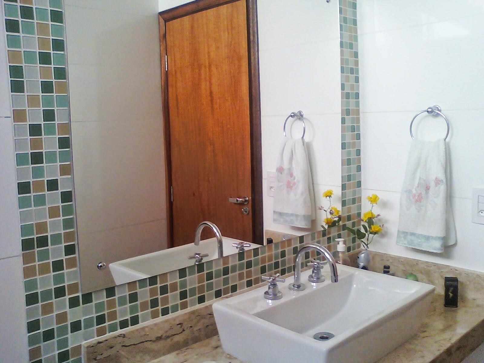 Uma boa dica é utilizar cubas desobrepor ou cubas de semi  encaixe  #A05E2B 1600x1200 Banheiro Com Pastilha Vertical