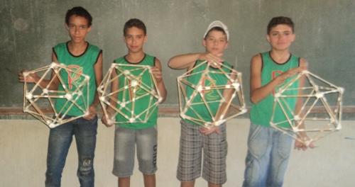 Construa objetos explorando elementos da geometria
