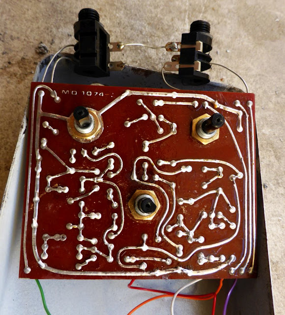 Colorsound Supa Tonebender circuit