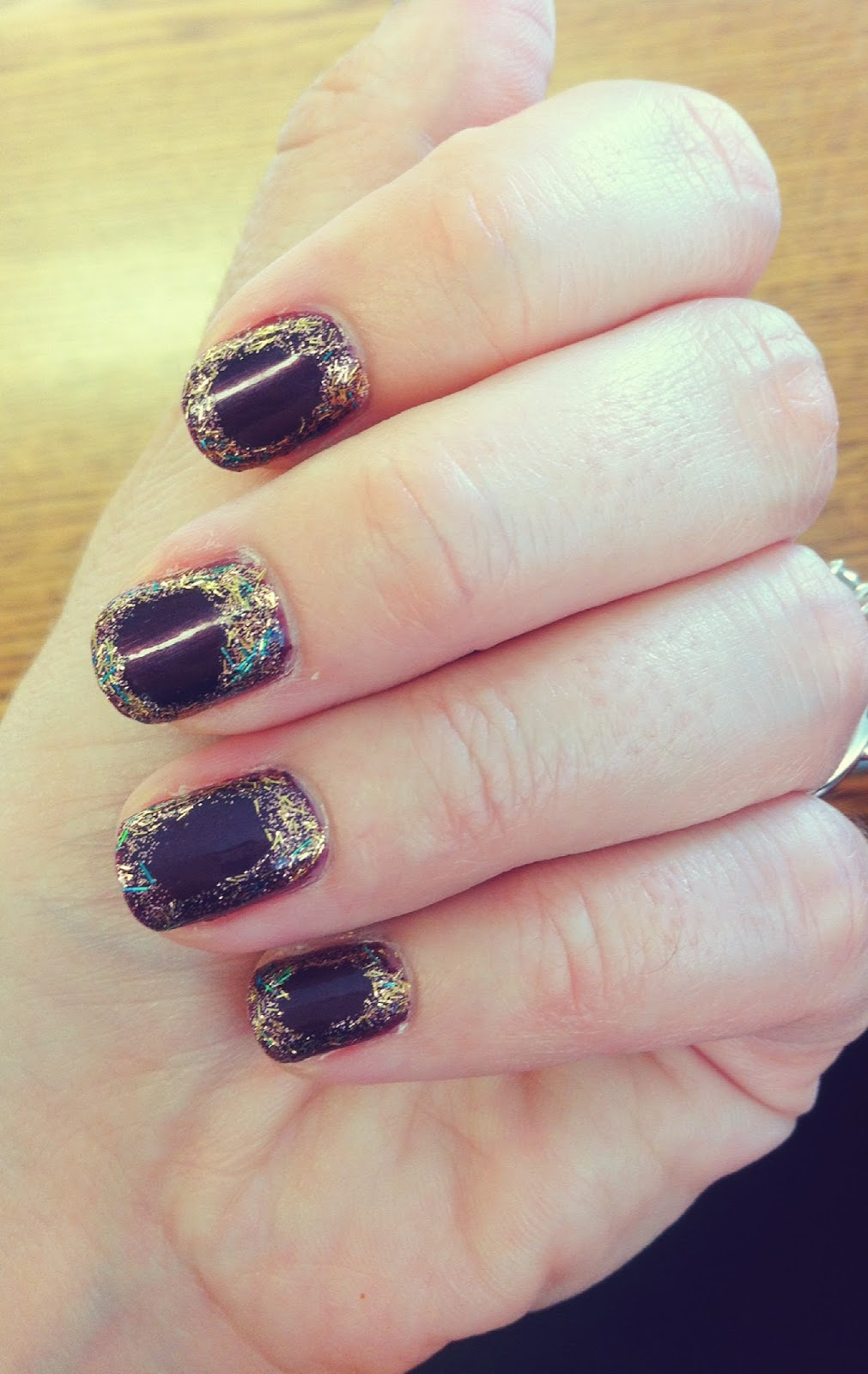 the bee\'s knees: Nailing it: The glitter eclipse manicure