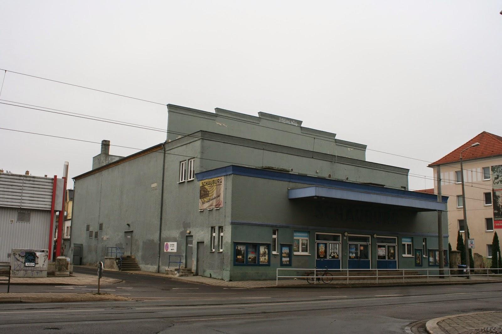 """Das Filmtheater """"Schauburg"""" befindet sich an der Antonienstraße 21 im Stadtteil Kleinzschocher-Leipzig - das im Stil Art Déco erbaute Gebäude wurde 1928 wurde eingeweiht und von 2006 bis 2008 umgebaut"""