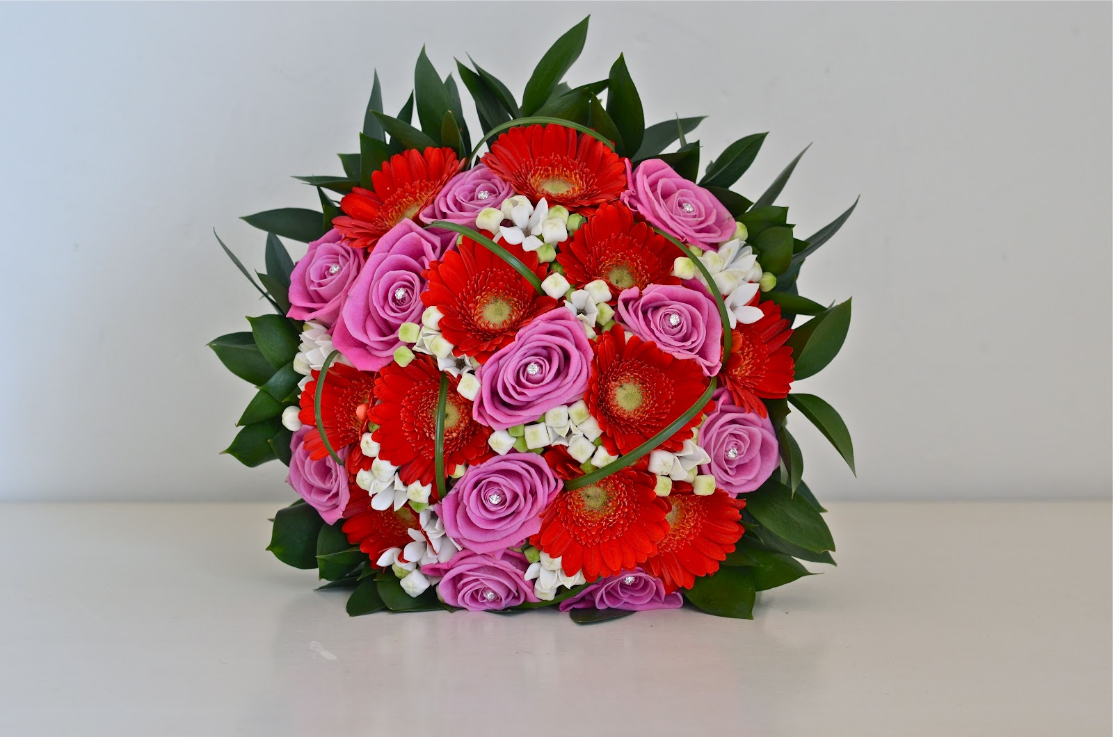 Wedding Flowers Blog Abbeys Contemporary Red And Pink Wedding Flowers