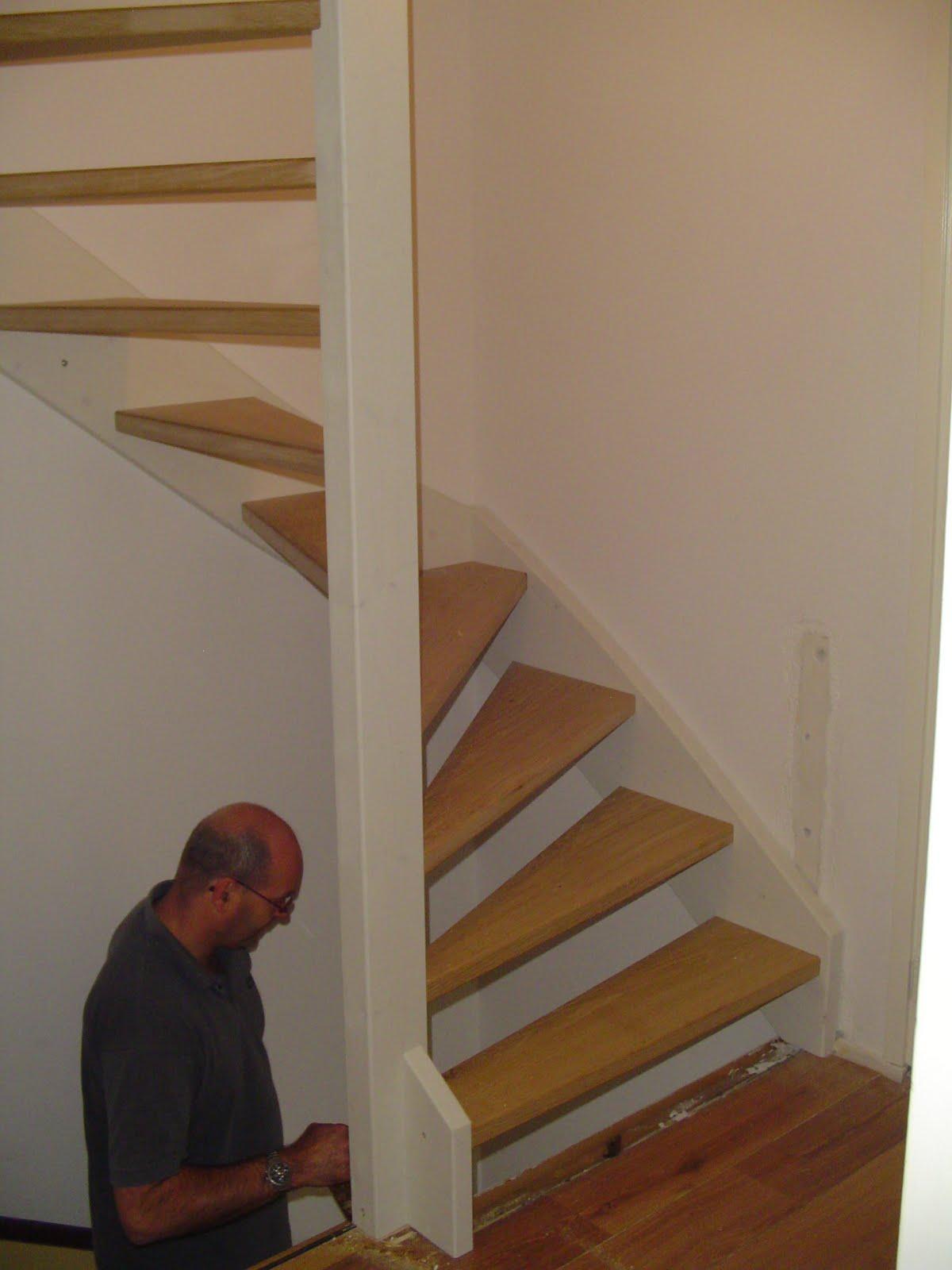 Handige handjes nieuwe zoldertrap - Hoe een trap te kleden ...