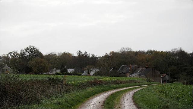 Le Val, Renac. Vue du chemin Ouest. Ille et Vilaine, 35. Habitat traditionnel, longères.