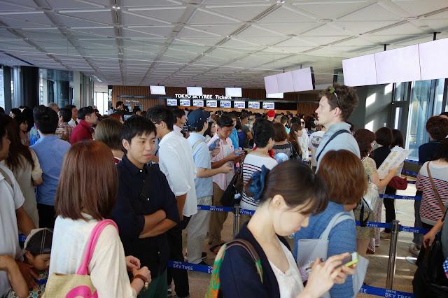 Tokyo Sky Tree long queue