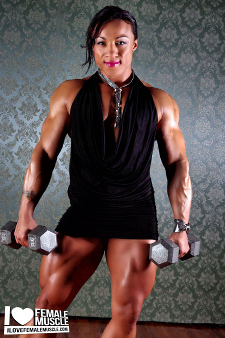 Karen Garrett Flexing Her Massive Quads And Built Arms