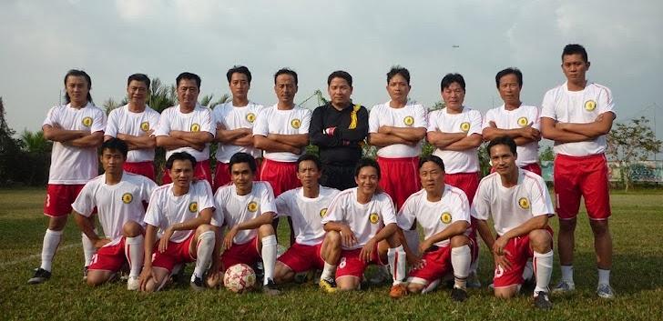 Đội HNPN đầu xuân Giáp Thìn 2012 tại Thanh Đa. Cố Chủ tịch Ninh đứng thứ 2 từ bên phải.