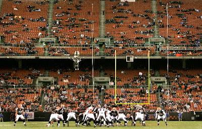 La NFL quiere mejorar la asistencia a los estadios con micrófonos en jugadores y entrenadores