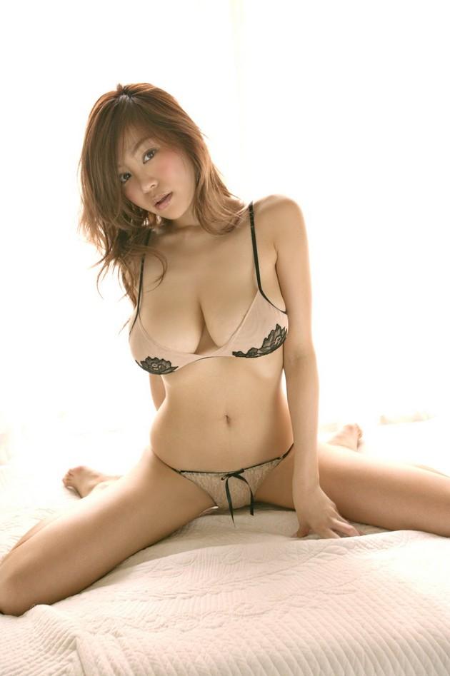 Hot Japanese Girls to Celebrate Hinamatsuri - Say Wow