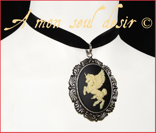 Collier licorne pégase cheval ailé fantaisy elfique magie pegasus unicorn necklace choker