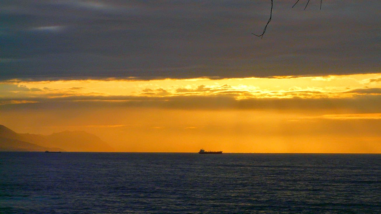 barco en el horizonte rojo2