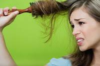 Warum entsteht saisonaler Haarausfall