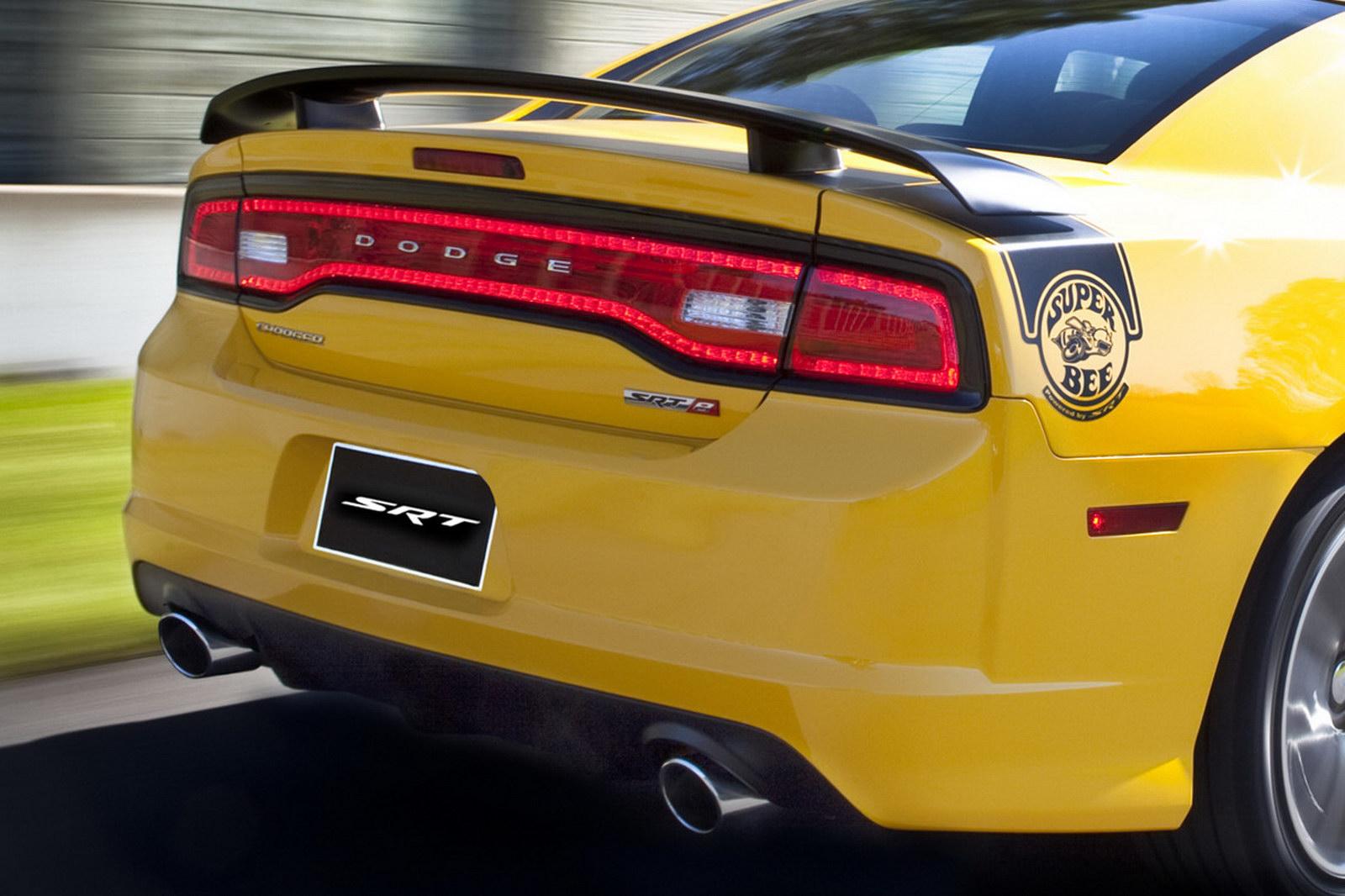 Dodge Charger Srt8 Super Bee 2012