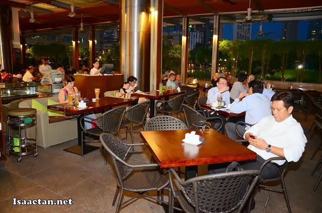 Patrons to Limoncello Bistro & Bar Suria KLCC enjoying the atmosphere