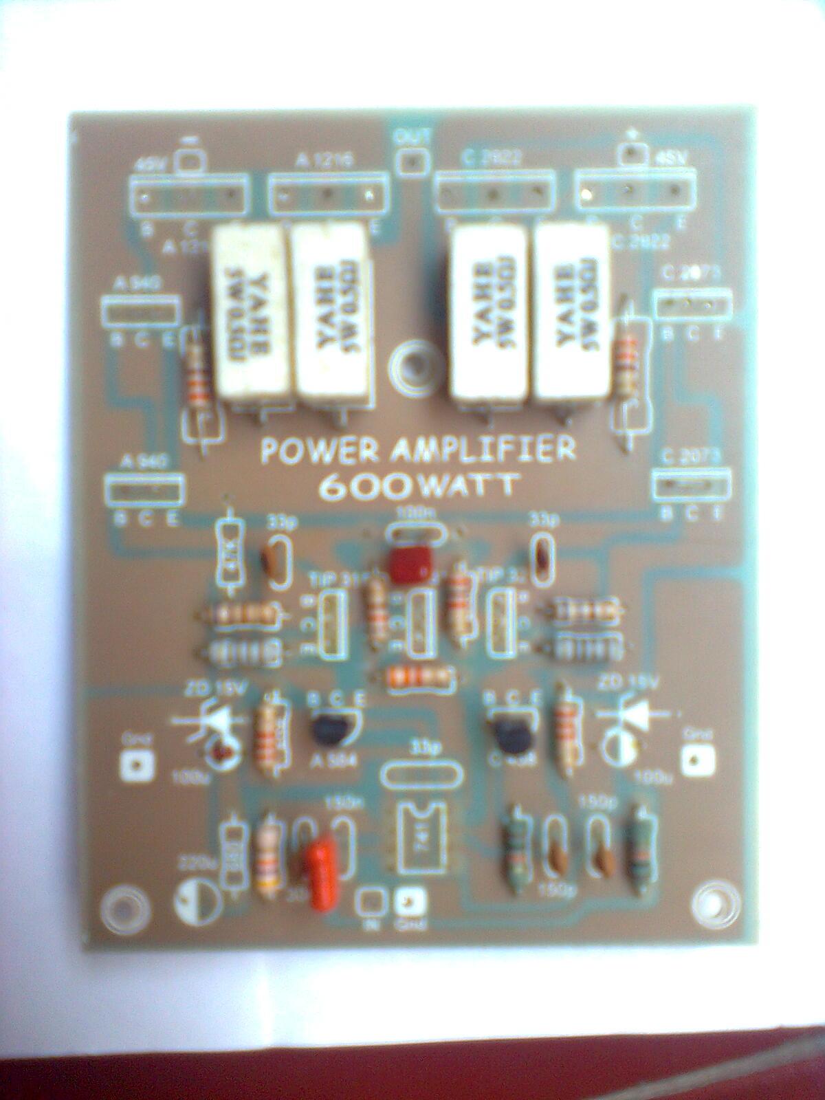 7 Leach Amplifier Menurut pengalaman yang pernah rakit tidak jauh beda dengan PA di atas transistor final sering mati padahal sudah komplit dengan fitur