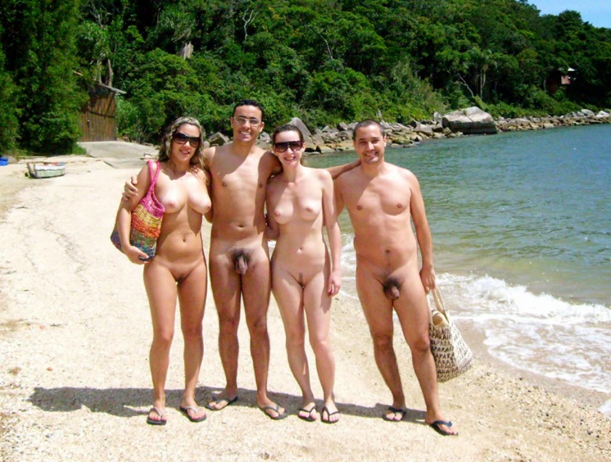 Фото нудистов семейные на пляже 10 фотография