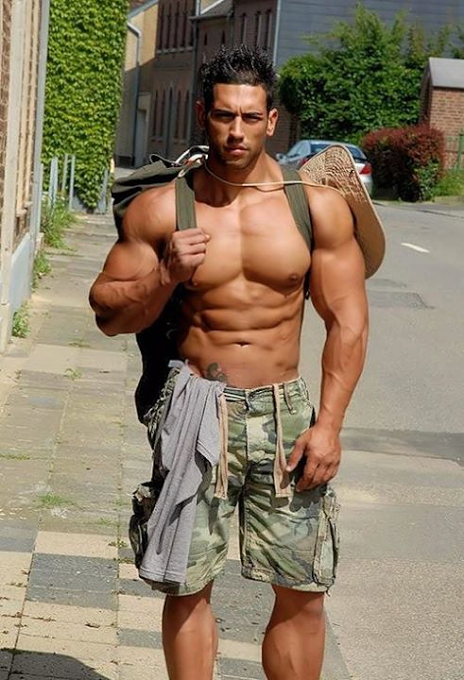 gay muscle latino