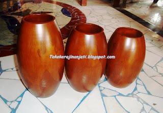 Vas Bunga Minimalis Satu Set