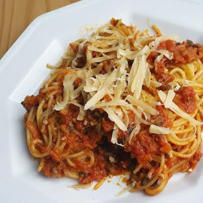 100% plant-based bolognese - no meat substitutes