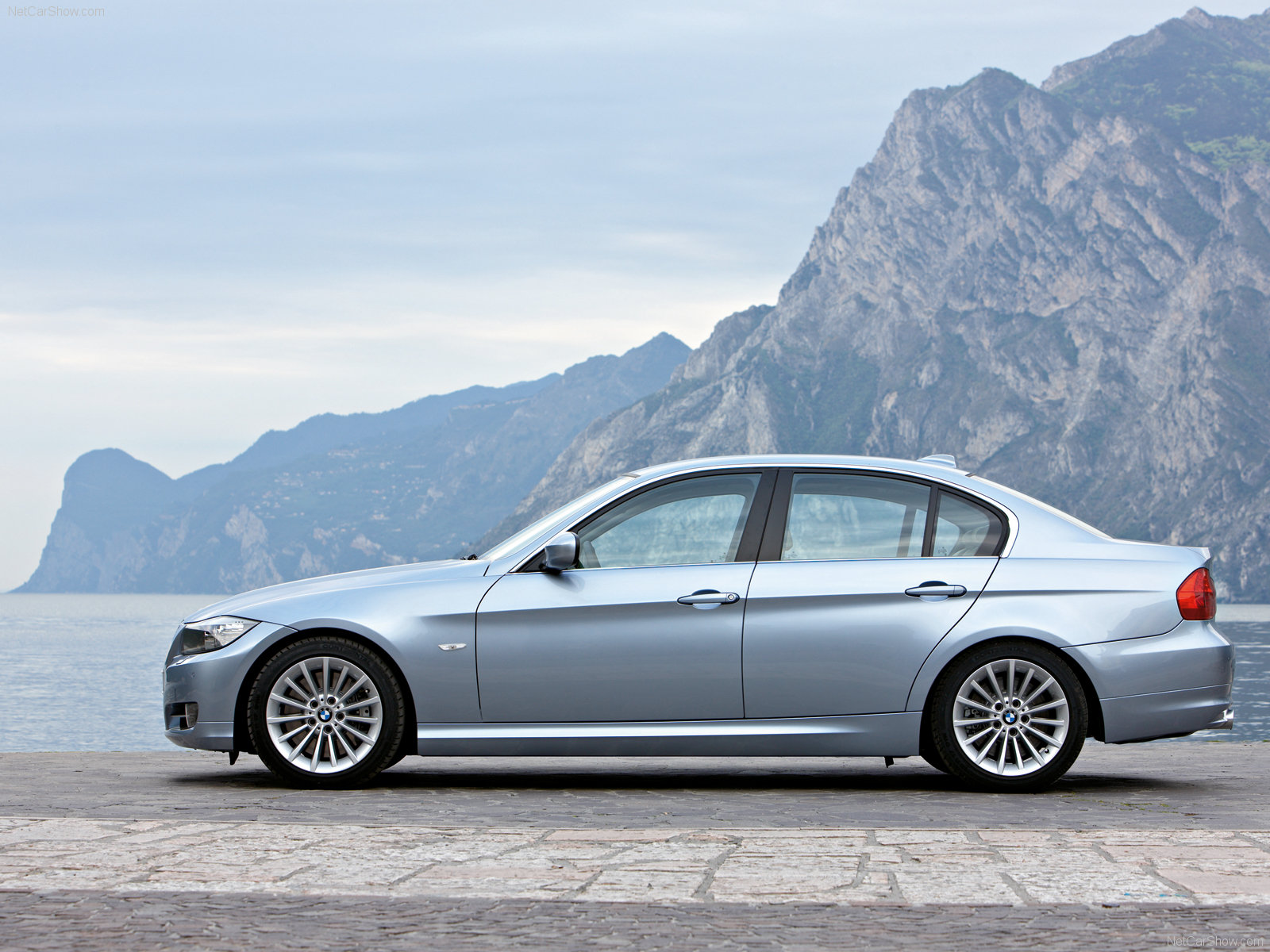 RACIONAUTO: BMW 320i JOY