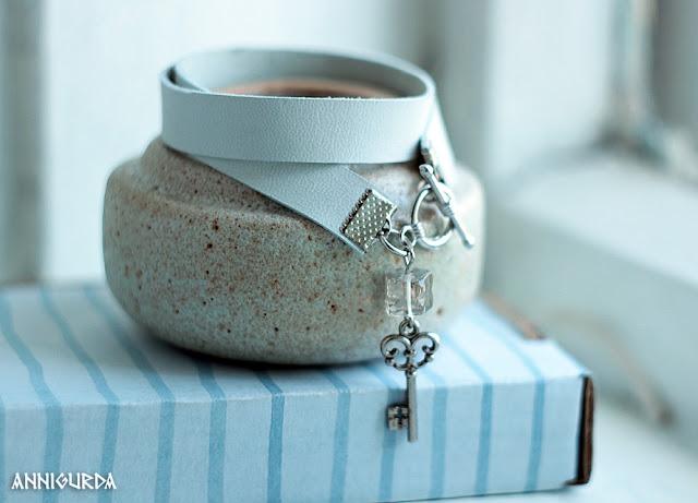 украшения, бижутерия, браслет, кожа, кожаный браслет, белый