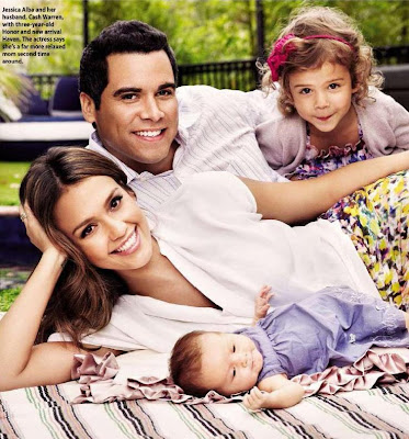 166ym2g 1 Jessica Alba and Cash Warren Introduce daughter Haven