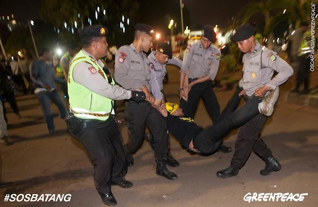 43 Aktivis Lingkungan Dibawa Oleh Aparat Kepolisian