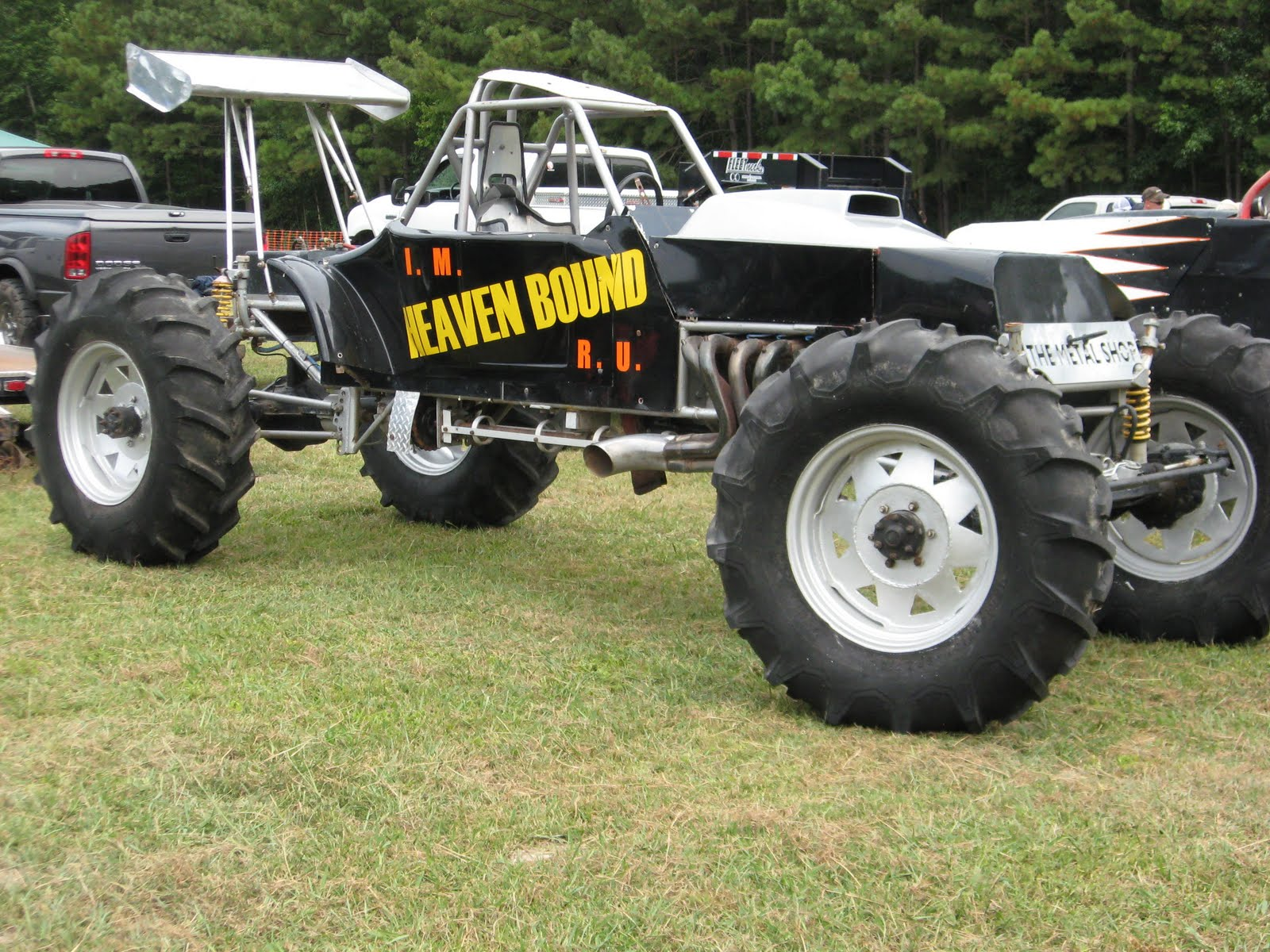 Mud bogger mud bogs truck and tractor pulls monster trucks ect pinterest monster trucks cars and redneck trucks