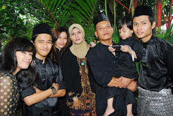 elya,hafiz,hasix,aidil,mymum&mystep father :)
