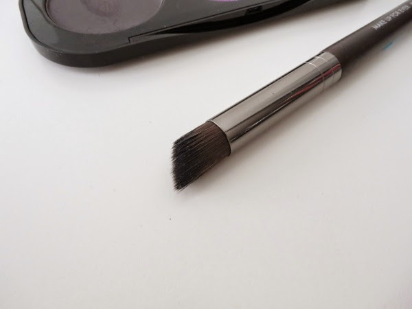 MAKE UP FOR EVER angled shader brush
