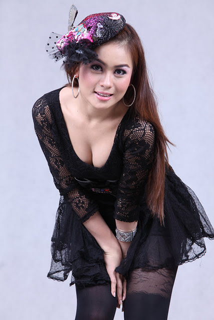 Model Shwe Sin | Sexy Black Dress Celebrity Name : Shwe Sin