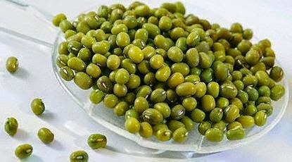 Tips Mudah Mengupas Kulit Kacang Hijau