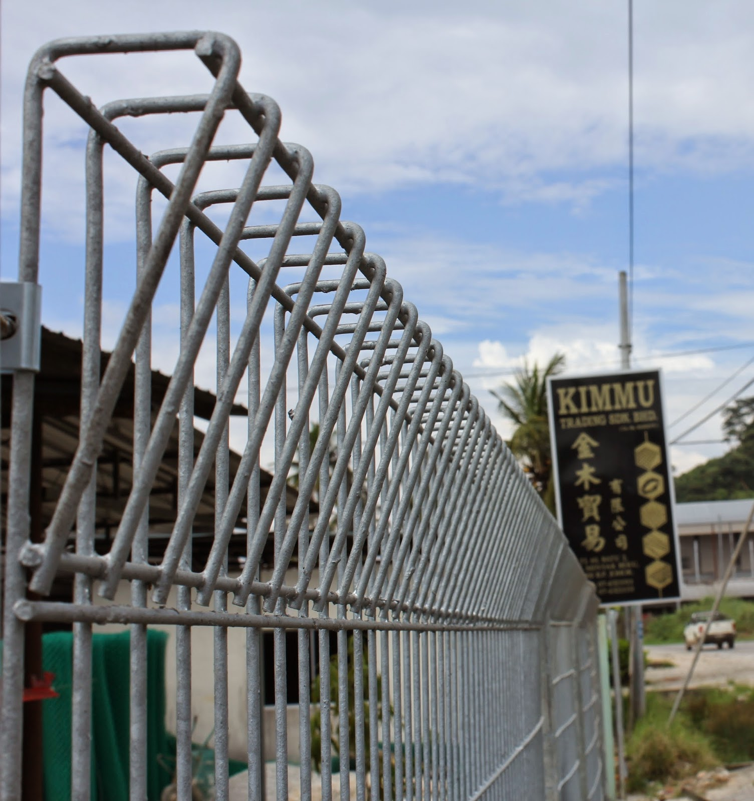 Contoh Pagar BRC atau Galvanized Fence