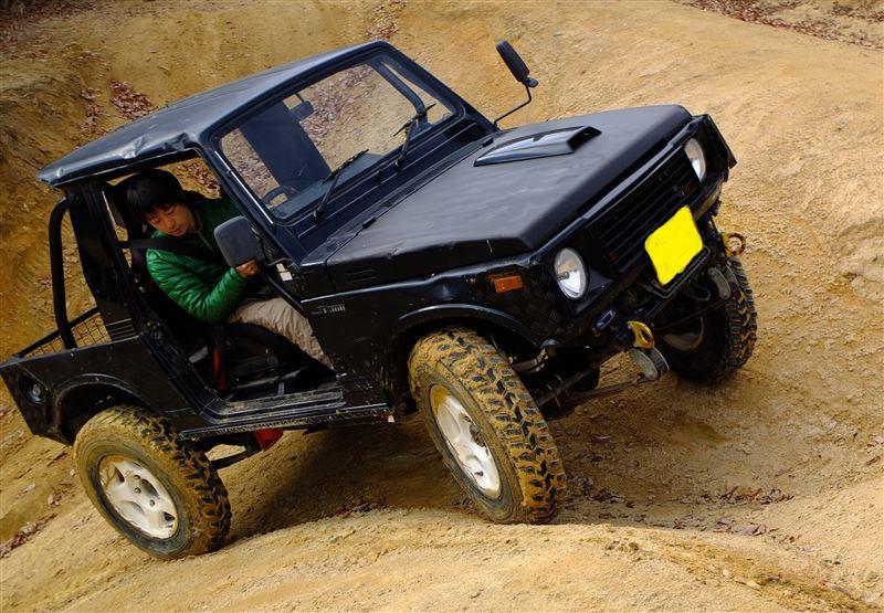Suzuki Jimny, terenówa, mała, japońska, niewielki samochód