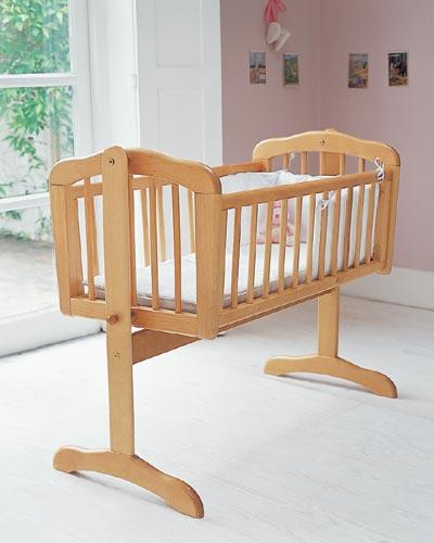 Las cunas de madera para la habitaci n del bebe for Cunas para bebes de madera