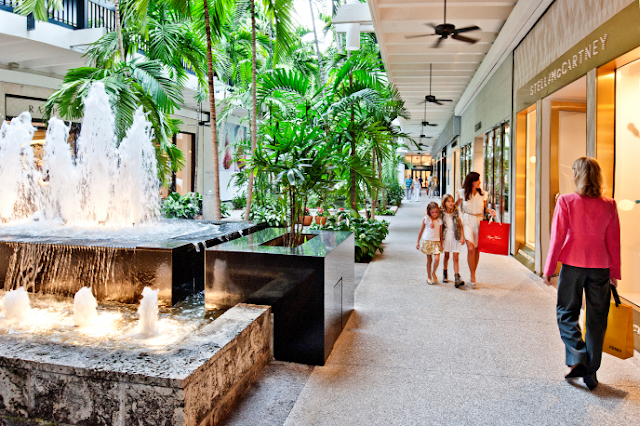 Shopping Bal Harbour Florida
