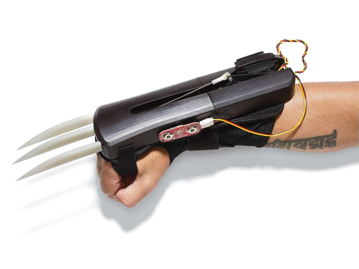 Proyectos de grado que sorprenden, pistola láser real y unas garras ...