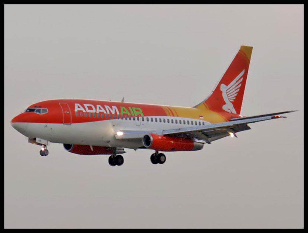 Foto Kecelakaan Pesawat Adam Air Jatuhnya Pesawat Adam Air di