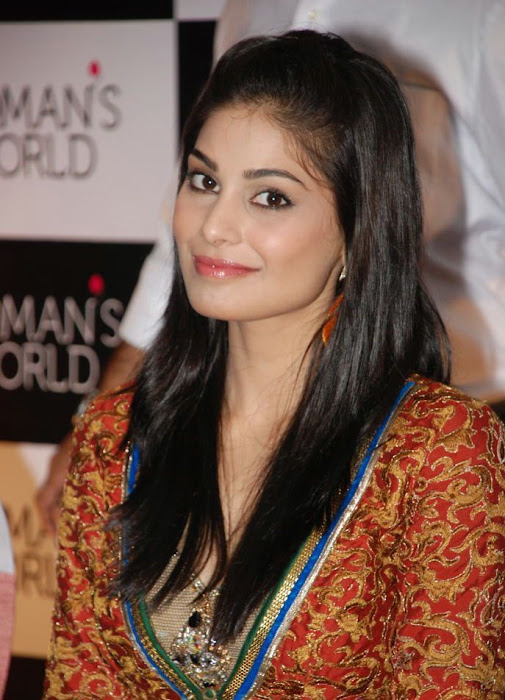 pooja puja gupta hq at womans world logo launch photo gallery