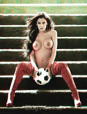 Larissa Riquelme pose hot