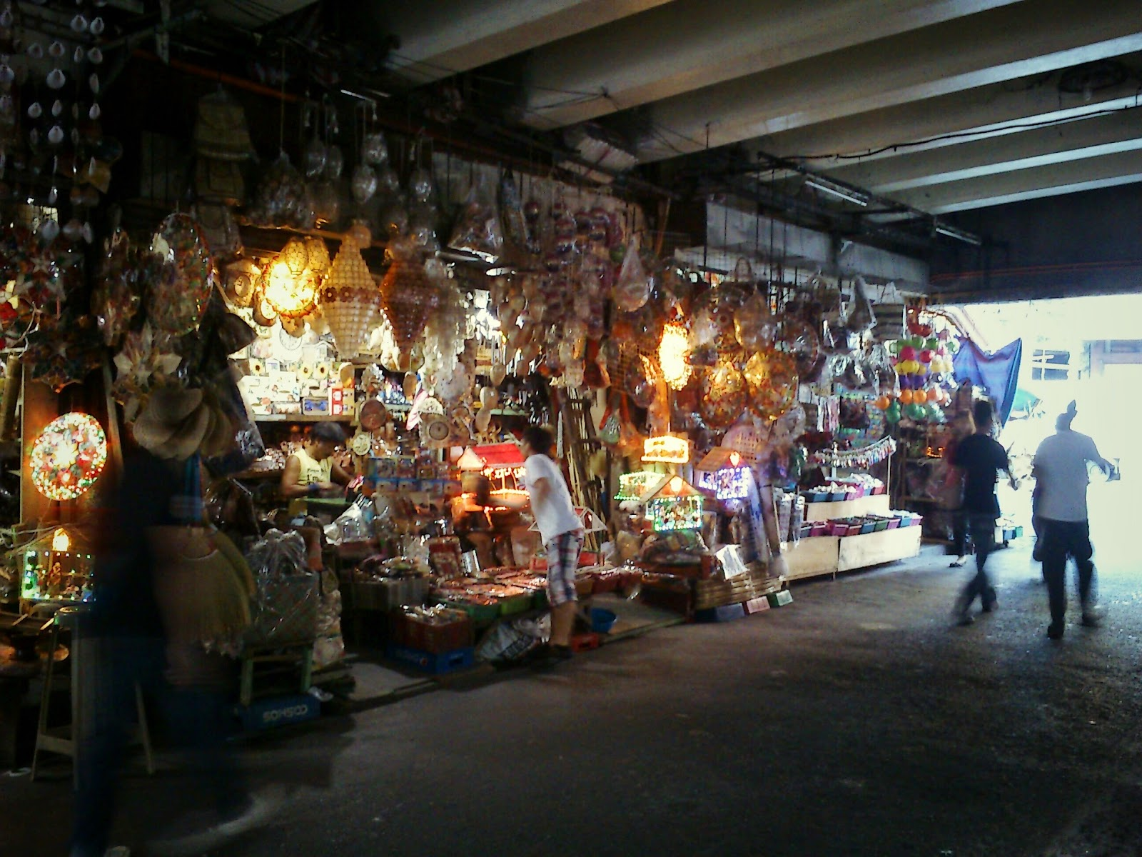 Recipes For Distraction Trip To Quaipo The Handicraft Shops Under