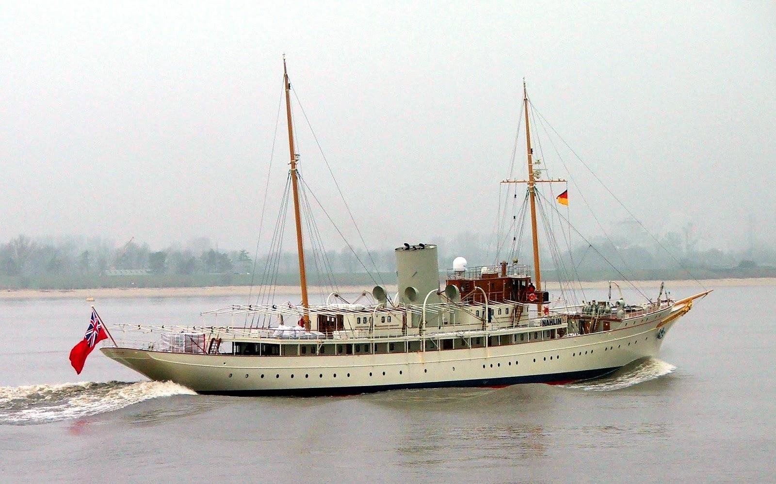 Superyacht NAHLIN Starboard