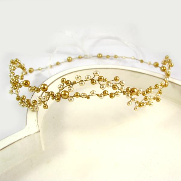 Tiara ślubna - wianek - z perłami w kolorze złotym i ecru.