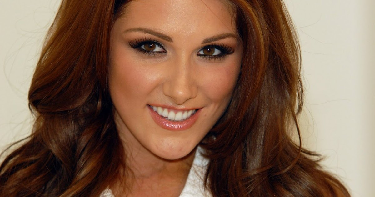 Fun & Entertainment: Lucy Pinder Hot Wallpapers.