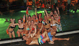 night life in Bali, top night life, Kuta night life, Seminyak bars, Sanur, Jimbaran, night life spots, party in Bali