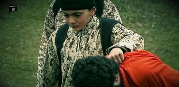 Το παιδί που φαίνεται να σκοτώνει έναν