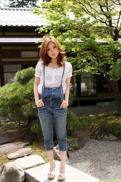 Natsuko Tatsumi – Undress Little by Little