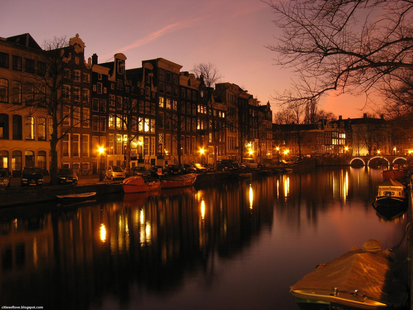 amsterdam wonderful lights and ambience the capital of